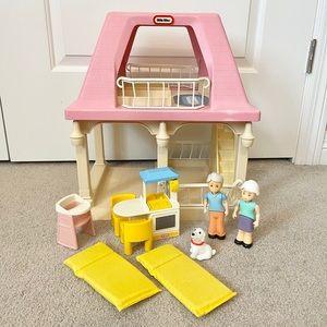 Little Tikes Grandma's Dollhouse Cottage